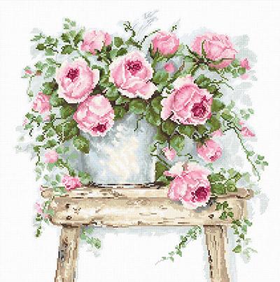 B2332 Цветы на табурете Набор для вышивания крестиком