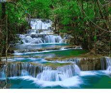 Водопад в зелени VP913